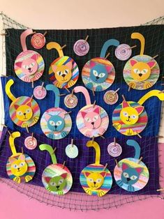 Arts And Crafts House Refferal: 4826773258 Art For Kids, Crafts For Kids, Arts And Crafts, Splat Le Chat, Kindergarten Art Lessons, Frog Crafts, Rainbow Crafts, Animal Crafts, Art Classroom
