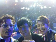 Stage selfie - Johnny Depp, popstar JJ Lin, DMG's president Wu Bing