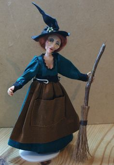 Martha the Witch handsculpted miniature doll in von JendlewickDolls