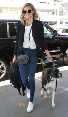 Kate Upton in a white T-shirt, black blazer and skinny jeans and white sneakers - click ahead to see more celebrity outfits!