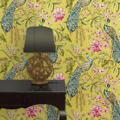 Laissez-vous séduire par ce magnifique papier peint HIBISCUS CITRUS.  Il pare vos murs de somptueux paons et de sublimes fleurs. Le vert bambou, le rose et le bleu paon se marient à merveille. Ils révèlent une nature élégante et raffinée, empreinte de majesté.