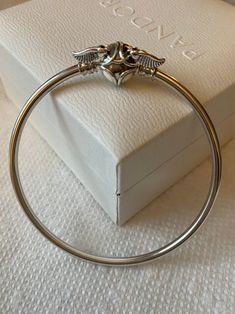 Harry Potter Bangle Golden Snitch Bangle Bracelet Pandora Harry Potter Snitch, Pandora Harry Potter, Harry Potter Charms, Harry Potter Jewelry, Pandora Bangle, Pandora Jewelry, Pandora Charms, Harry Potter Charm Bracelet, Golden Snitch