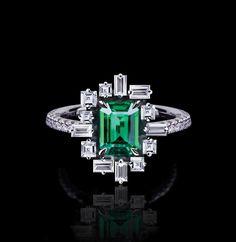 Diamond Jewelry Be unique! Vibrant green emerald set in Stefano Canturi's 'Stella' design. Bijoux Design, Schmuck Design, Jewelry Design, Emerald Jewelry, Gemstone Jewelry, Diamond Jewelry, Crystal Jewelry, Green Emerald Ring, Emerald Rings