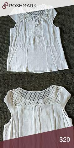Doll Top Beautiful white top by Zac & Rachel Zac & Rachel Tops Blouses