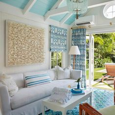 Cottage decor is very easy and uncomplicated. Ideal cottage style decorating ideas if you want my opinion! There are many architectural features found in an Irish cottage that you can put into the design of your home. Beach Living Room, Coastal Living Rooms, Living Room Interior, Coastal Interior, Beach Interior Design, Scandinavian Interior, Contemporary Interior, Coastal Decor, Interior Ideas