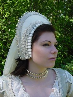 Renaissance Tudor Court Boleyn French 1500s Hood headpiece - I'm rather in awe of the detail in this