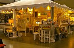 cute booth and a link to a most excellent article on how to have a successful booth design for antique shows by Deb Kennedy from Retreat.