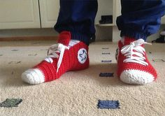 Ravelry: Crochet Converse Slippers pattern by Mun Tekemä