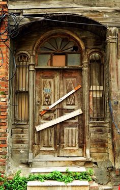 An abandoned mansion's door, Istanbul, Turkey