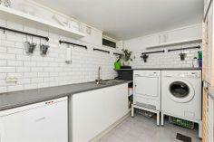 Vaskerom i kjeller Washing Machine, Laundry, Home Appliances, Patio, Laundry Room, House Appliances, Appliances, Laundry Rooms
