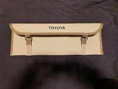 genuine toyota landcruiser fj40 tool bag new nos hj47 bj42 fj45 hj45 fj45 fj55 - Categoria: Avisos Clasificados Gratis  Item Condition: NewFACTORY Tool Bag Genuine Toyota FJ55 FJ40 FJ45 HJ45 HJ47 BJ40 BJ42 will suit all 40 series landcruisers and FJ55 landcruisers This bag is BRAND NEW OLD STOCK NOS from toyota Japan OEM Original Equipment Manufacturer They are NOT cheap ass Taiwanese copies This is a direct replacement for you existing tool bag It is held on to the floor under the…