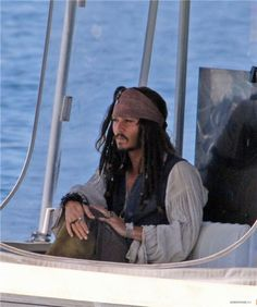 Johnny depp looking sexy as always lol Young Johnny Depp, Here's Johnny, Johnny Depp Movies, Captain Jack Sparrow, Jonh Deep, Johnny Depp Pictures, Handsome Jack, Film Disney, Pirate Life