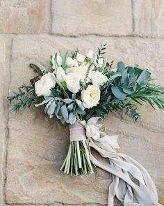 いいね!440件、コメント5件 ― Alvina Valenta Bridalさん(@alvinavalenta)のInstagramアカウント: 「pretty #morning blooms via @VickiGraftonPhotography & #florals by @dariana_flowers_dubai #lush…」