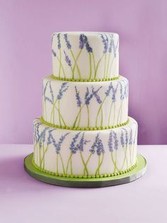 Many pictures of beautiful round wedding cakes with green and purple trim. Which cake is your favourite? Which cake inspires you for your . Cheap Wedding Cakes, Round Wedding Cakes, Themed Wedding Cakes, Elegant Wedding Cakes, Cake Wedding, Wedding App, Whimsical Wedding, Wedding Reception, Gorgeous Cakes