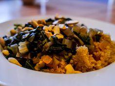 Mittags bei Simone: Quinoa und Mangoldgemüse mit Zitrone und Cashewkernen