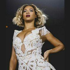 Beyonce debuts new short haircut