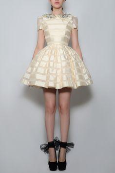 Silvia Bours - Munequita Dress, (http://www.silviabours.com/munequita-dress/)