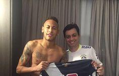Ídolo nacional: Neymar coleciona camisas de clubes ao longo dos Jogos