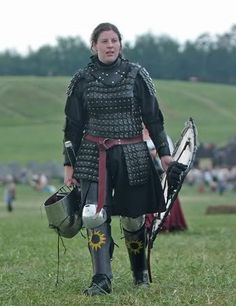 This has a great look to it Female Armored Combat Fighters SCA :: Lady Valora tou Ayiva image by isabellaevangelista - Photobucket---- OH MY GOD IT'S VALORA I LOVE HER. She lent me her armor when I was just beginning :)