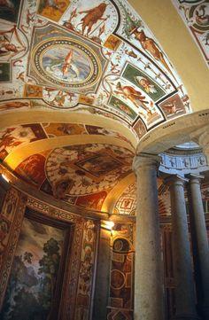 Palazzo Farnese (o Villa Farnese)  Italy
