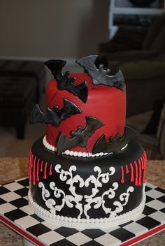 Gothic Bat #Cake good for #Halloween or a goth #wedding