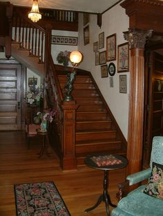 The Main House stairwell at Breeden Inn Bed & Breakfast. Victorian Rooms, Victorian Interiors, Victorian Design, Victorian Decor, Victorian Architecture, Vintage Interiors, Architecture Design, Victorian Houses, Flooring For Stairs