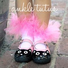No-Sew Ankle Tutus | Spoonful