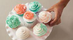 The Wilton Method of Cake Decorating