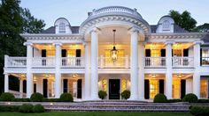 Stunning Front Door Ideas: Add a Portico! Stunning Front Door Ideas: Traditional Exterior by New Canaan Architects & Designers James Schettino Architects Southern Mansions, Southern Plantations, Southern Homes, Southern Charm, Southern Style, Southern Girls, Traditional Exterior, Old Houses, Abandoned Houses