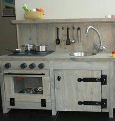 Stijgerhouten kinder keuken