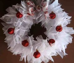 DIY Tutorial - quick and easy tulle wreath