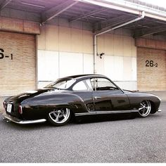 Yuki's super Low Light Karmann Ghia from Japan