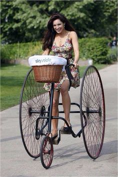 Beauty of Cycling e-bike tours - Auto-Italia Magazine Cool Bicycles, Vintage Bicycles, Cool Bikes, Old Bicycle, Bicycle Girl, Velo Cargo, Penny Farthing, Push Bikes, Cycling Girls