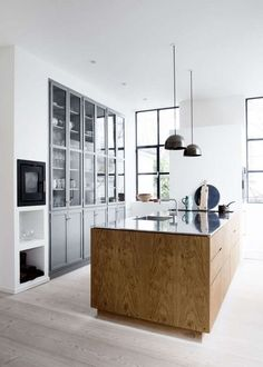 Home Decor Kitchen, Interior Design Kitchen, Diy Kitchen, Kitchen Furniture, Kitchen Ideas, Kitchen Modern, Danish Kitchen, Kitchen Lamps, Kitchen Industrial