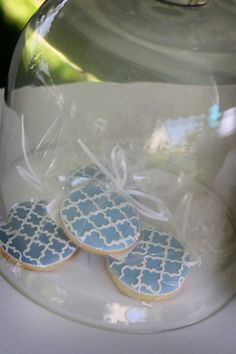 Love these quatrefoil cookies