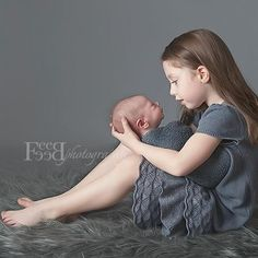big sister and newborn baby photos Newborn Baby Photos, Baby Poses, Newborn Poses, Newborn Pictures, Baby Boy Newborn, Baby Pictures, Big Sister Pictures, Newborn Sibling Pictures, Family Pictures