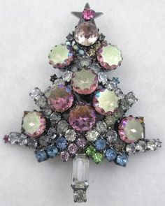 Pink Scalloped Aurora Christmas Tree Broach - Garden Party Collection Vintage Jewelry