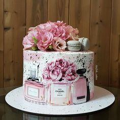 Elegant Birthday Cakes, Beautiful Birthday Cakes, Amazing Wedding Cakes, Birthday Cake Girls, Elegant Cakes, Beautiful Cakes, Cake Decorating Frosting, Creative Cake Decorating, Birthday Cake Decorating