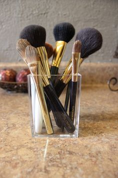 Estee Lauder Makeup Brushes DIY Brush Cleaner lupglossandlunges.com