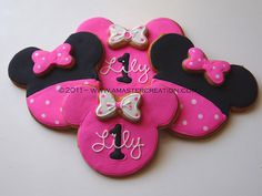 Minnie mouse cookies that I will probably have to do for Kylah's 1st bday