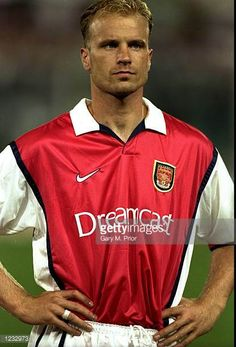 Portrait of Dennis Bergkamp of Arsenal lining up for the UEFA Champions League group B match against Fiorentina at the Stadio Communale in Florence. Football Icon, Arsenal Football, Arsenal Fc, Dennis Bergkamp, World Cup Groups, Back Row, Uefa Champions League, Group Photos, Old Boys