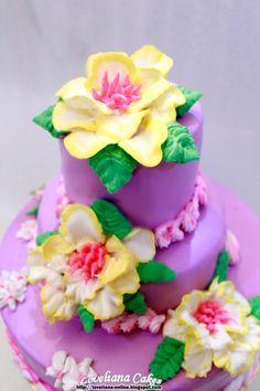 Wedding cake + Steam buttercream frosting + Buttercream flowers by http://loveliana-online.blogspot.com/