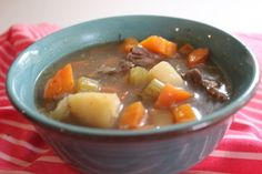 Oxtail Soup Healthy Soup Recipes, Real Food Recipes, Healthy Food, Oxtail Soup, Food Now, Pot Roast, Cheeseburger Chowder, Ethnic Recipes, Hearty Soup Recipes