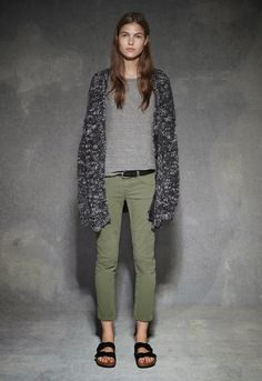 Textile Elizabeth and James Fall 2013 Adrette Outfits, Casual Outfits, Fashion Outfits, Sweat Gris, Pijamas Women, Birkenstock Style, Birkenstock Boston, Clogs Outfit, Pants Outfit