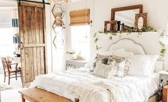 Are you looking for inspiration for farmhouse living room? Browse around this website for cool farmhouse living room inspiration. This kind of farmhouse living room ideas seems to be totally fantastic. Modern Farmhouse Bedroom, Modern Bedroom Furniture, Contemporary Bedroom, Modern Room, Eclectic Modern, Bedroom Rustic, Farmhouse Decor, White Furniture, Loft Furniture