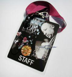 Credencial con holograma de seguridad. Protege la identidad de tus invitados y staff de trabajo.