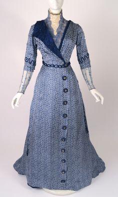 "fripperiesandfobs: "" Afternoon dress ca. 1910 From Vintage Martini "" Edwardian Era Fashion, Edwardian Clothing, Edwardian Dress, Antique Clothing, Robes Vintage, Vintage Dresses, Vintage Outfits, Vintage Fashion, Gothic Fashion"
