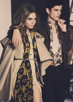 Cara Delevingne shows off Burberry's AW14 accessory range #dailymail