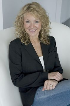 Curly Haircuts for Women Over 50