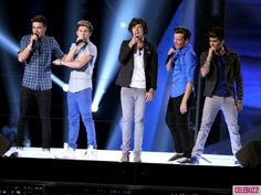 MTV VMAs 2012 News - MTV Video Music Awards 2012: One Direction Rocks Cheering Crowd With 'One Thing' (VIDEO) - Celebuzz
